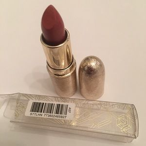 MAC Snow Matte lipstick- Shimmer & Spice